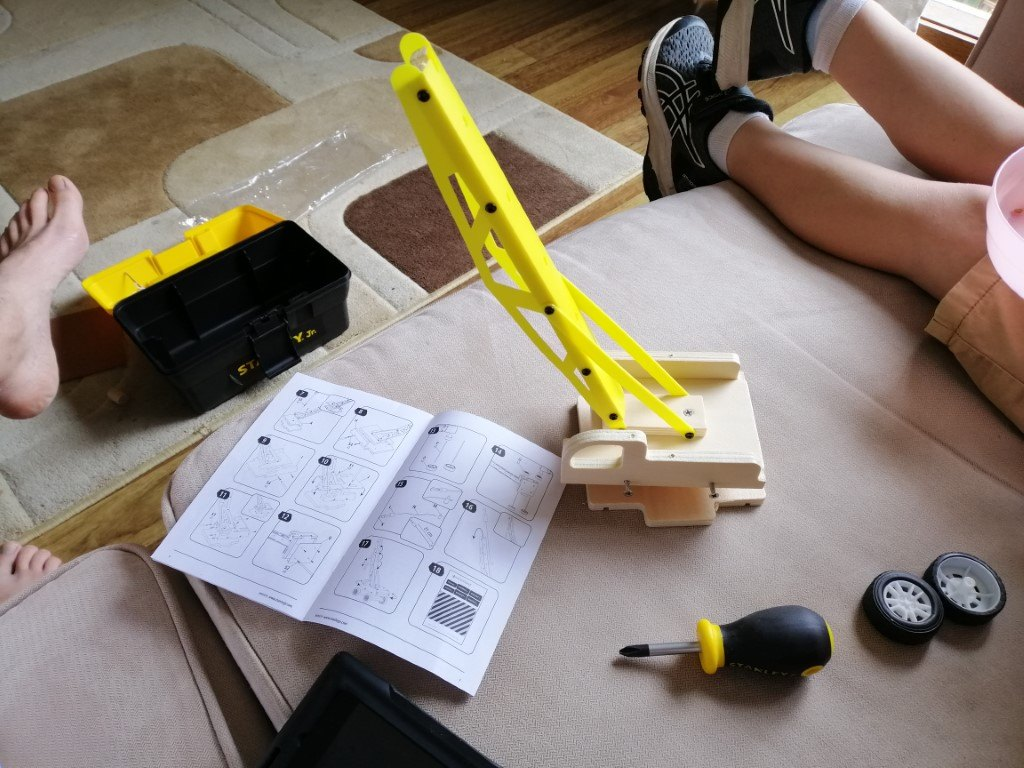 Half finished stanley jr lifting crane wood kit with instructions